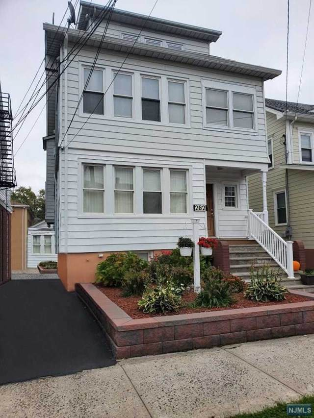 282 Ampere Parkway - Photo 1