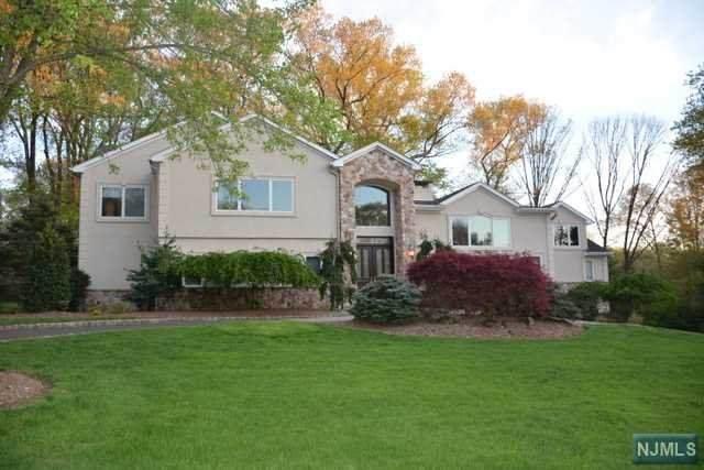 22 Saddle Ridge Road, Ho-Ho-Kus, NJ 07423 (MLS #21013844) :: Kiliszek Real Estate Experts