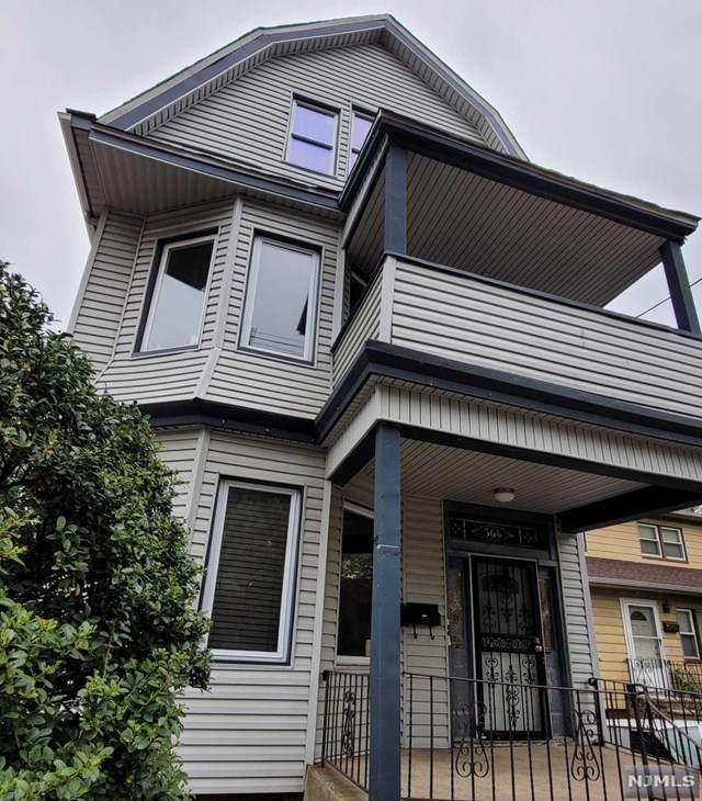 564 Sandford Avenue - Photo 1