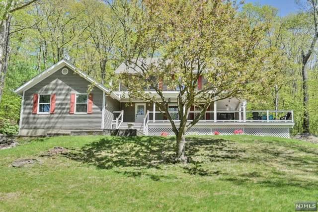 20 Robert Street, West Milford, NJ 07480 (MLS #21017694) :: Kiliszek Real Estate Experts