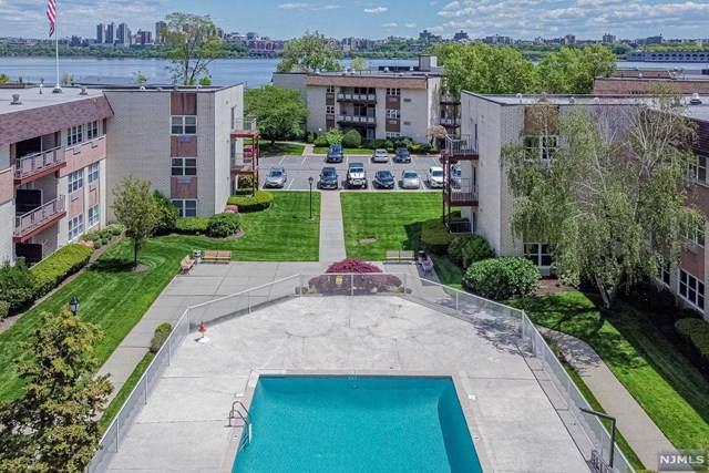 1111 River Road D1, Edgewater, NJ 07020 (MLS #21018026) :: Kiliszek Real Estate Experts