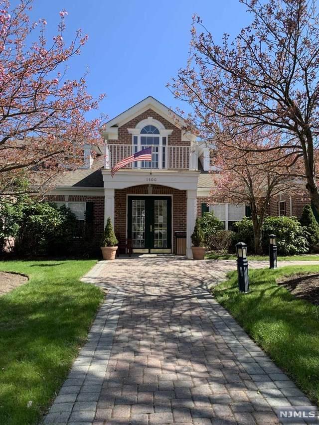 908 Four Seasons Drive - Photo 1