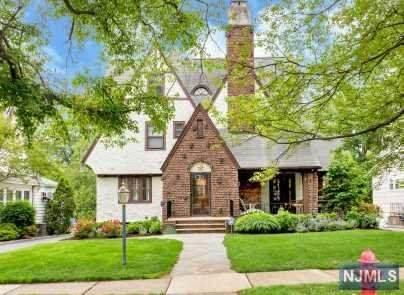 273 Forest Avenue, Glen Ridge, NJ 07028 (MLS #21022336) :: Provident Legacy Real Estate Services, LLC