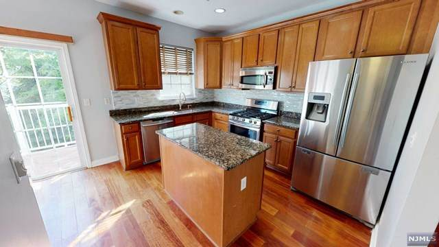 124 Blue Heron Drive, Secaucus, NJ 07094 (MLS #21022772) :: RE/MAX RoNIN