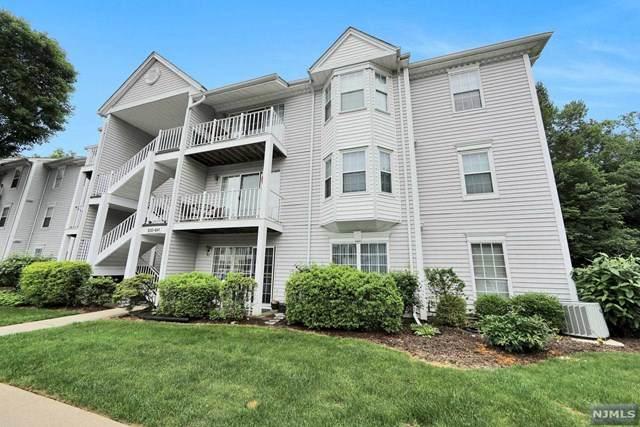 630 Plum Terrace - Photo 1