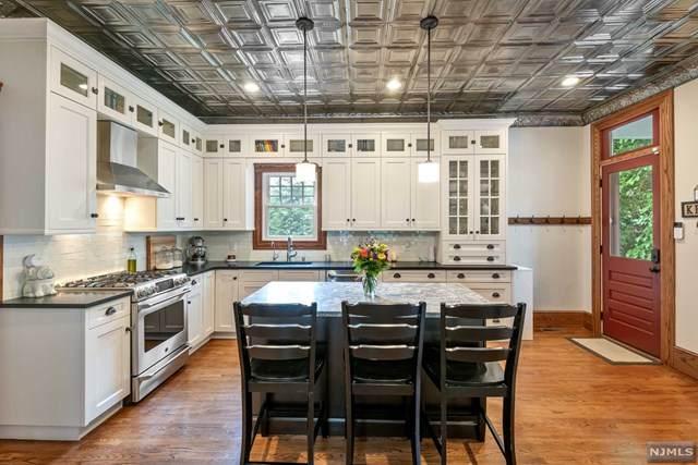 750 Wyckoff Avenue, Wyckoff, NJ 07481 (#21024145) :: United Real Estate