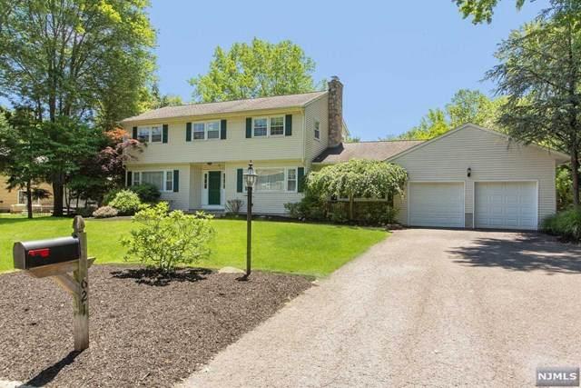 621 Red Oak Drive, River Vale, NJ 07675 (#21024850) :: United Real Estate
