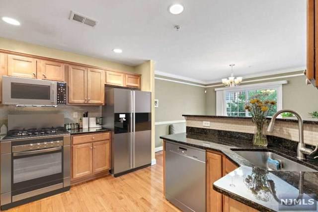 153 Blue Heron Drive, Secaucus, NJ 07094 (#21029394) :: United Real Estate