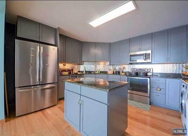 1024 Harmon Cove Tower, Secaucus, NJ 07094 (MLS #21030702) :: Howard Hanna Rand Realty