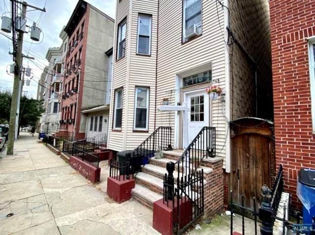 118 Monroe Street - Photo 1