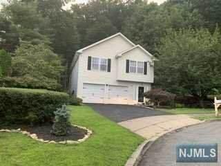 14 Jessica Lane, Dover Town, NJ 07801 (#21034290) :: NJJoe Group at Keller Williams Park Views Realty