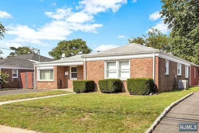 219 Court Avenue, Lyndhurst, NJ 07071 (#21034990) :: United Real Estate