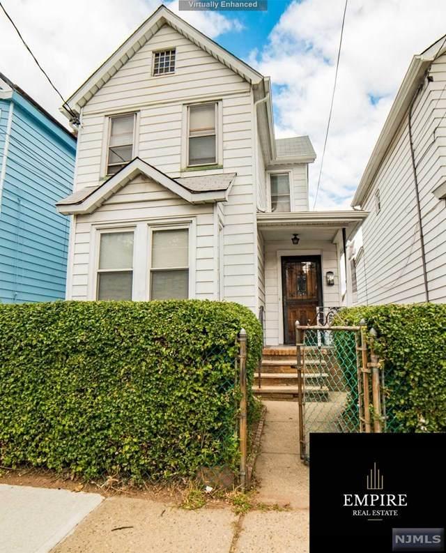 67 Irving Street - Photo 1