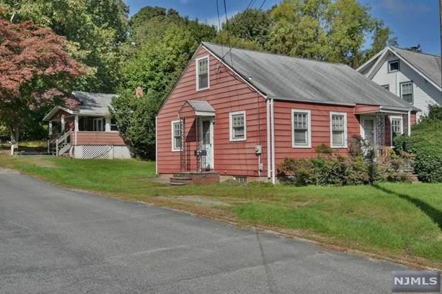 33 Catherine Street, Bloomingdale, NJ 07403 (MLS #21041169) :: Kiliszek Real Estate Experts