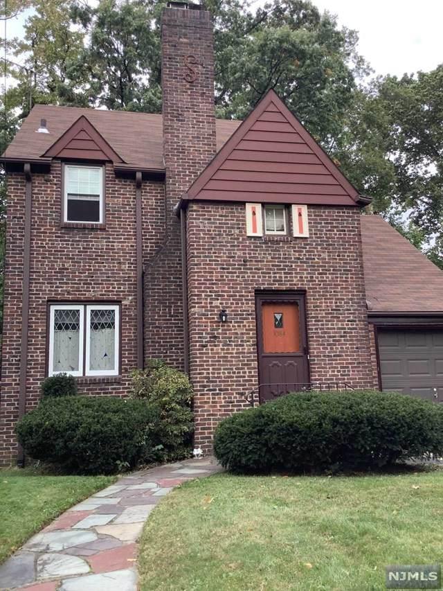 1084 Belle Avenue, Teaneck, NJ 07666 (MLS #21041292) :: Team Braconi | Christie's International Real Estate | Northern New Jersey