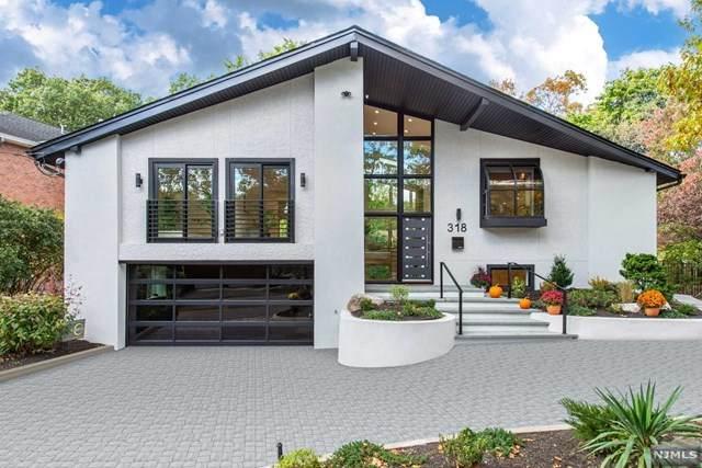 318 Castle Drive, Englewood Cliffs, NJ 07632 (MLS #21042898) :: The Dekanski Home Selling Team