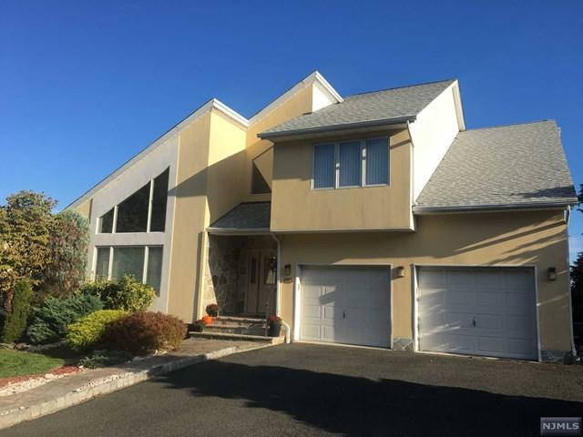 74 Hamilton Trl, Totowa, NJ 07512 (MLS #1740437) :: The Dekanski Home Selling Team