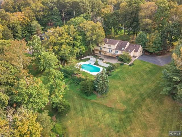 25 W Church Road, Saddle River, NJ 07458 (#1829475) :: RE/MAX Properties