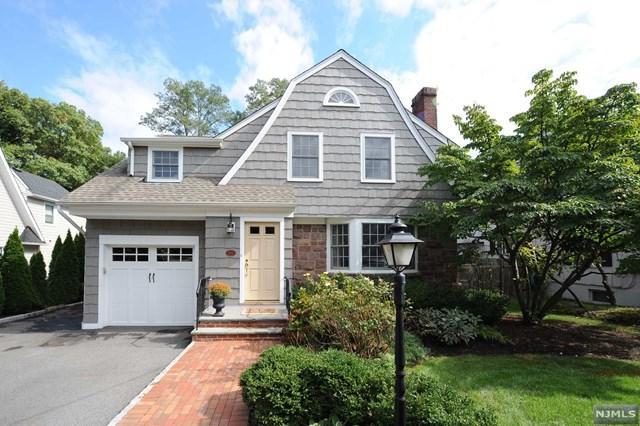 200 Elmwood Avenue, Ho-Ho-Kus, NJ 07423 (MLS #1841373) :: William Raveis Baer & McIntosh