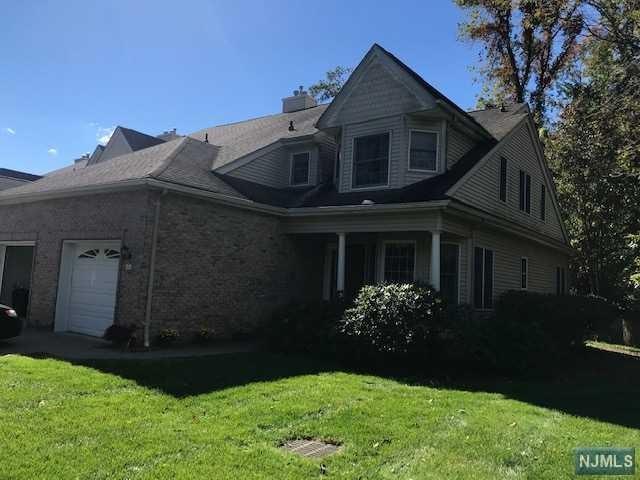 50 Trotters Lane, Allendale, NJ 07401 (MLS #1842331) :: The Dekanski Home Selling Team