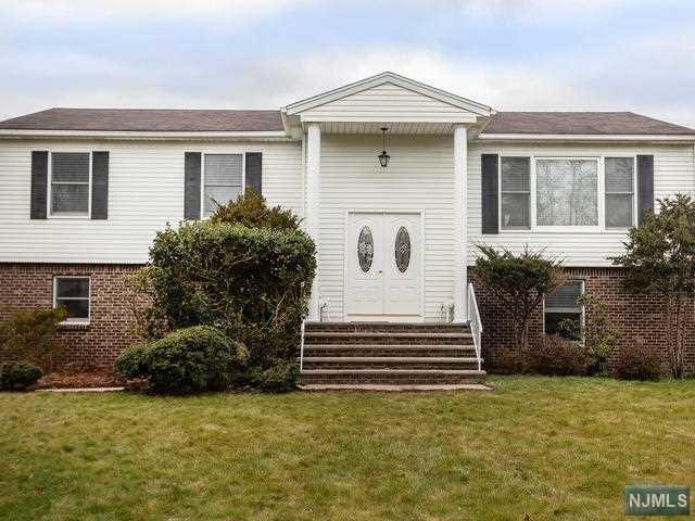 60 Chaffee Circle, Norwood, NJ 07648 (MLS #1850509) :: William Raveis Baer & McIntosh