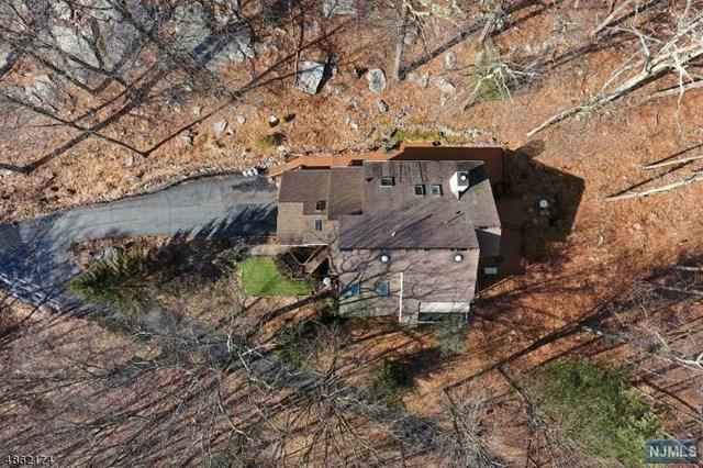 24 Paderewski Road, Jefferson Township, NJ 07438 (#1908303) :: Berkshire Hathaway HomeServices Abbott Realtors