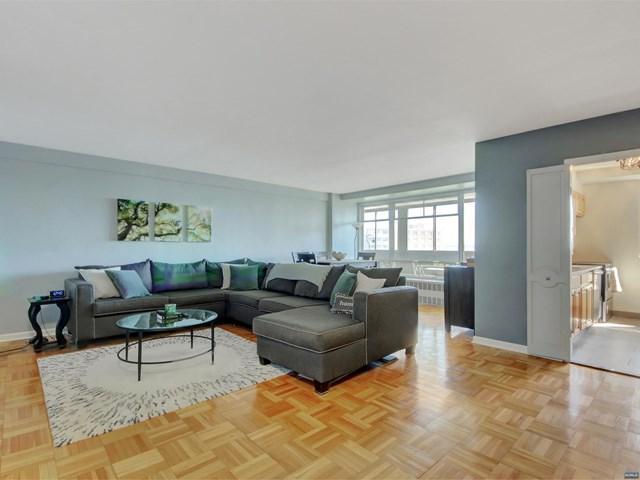 90 Prospect Avenue 8A, Hackensack, NJ 07601 (MLS #1910310) :: Team Francesco/Christie's International Real Estate