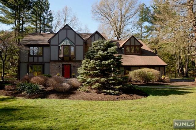 1 Westwind Court, Saddle River, NJ 07458 (#1916976) :: Berkshire Hathaway HomeServices Abbott Realtors