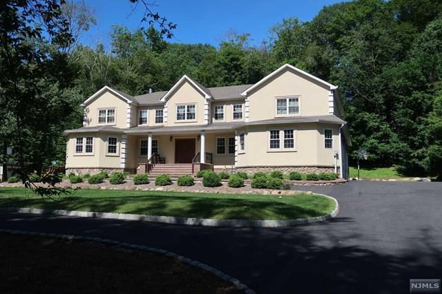 15 Tanglewood Hollow Road, Upper Saddle River, NJ 07458 (MLS #1927415) :: William Raveis Baer & McIntosh