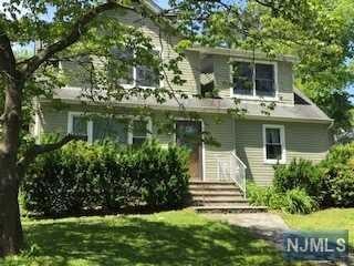 35 Esmond Place, Tenafly, NJ 07670 (MLS #1928005) :: William Raveis Baer & McIntosh