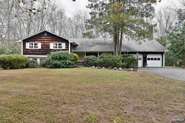 16 Old Farms Road, Saddle River, NJ 07458 (MLS #1951096) :: William Raveis Baer & McIntosh