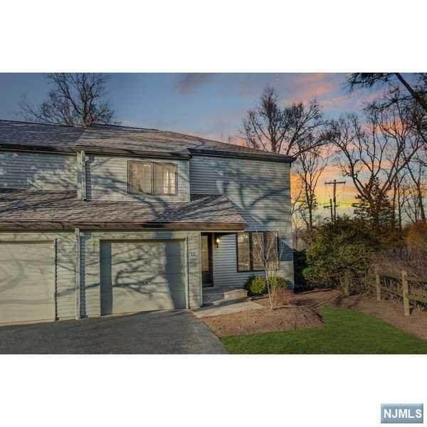 12 Minnisink Drive, Roseland, NJ 07068 (MLS #20010582) :: The Dekanski Home Selling Team