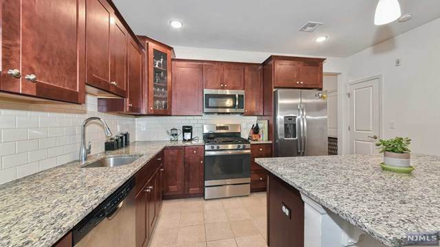 48 Elston Court, Wanaque, NJ 07420 (MLS #20045358) :: Kiliszek Real Estate Experts