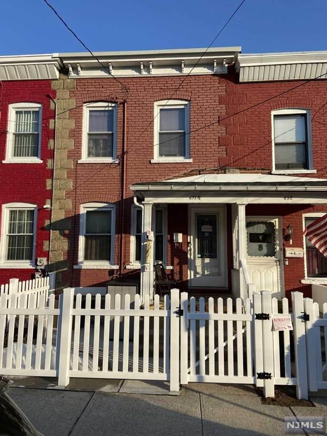 692-1/2 Chestnut Street, Kearny, NJ 07032 (MLS #21007215) :: The Sikora Group