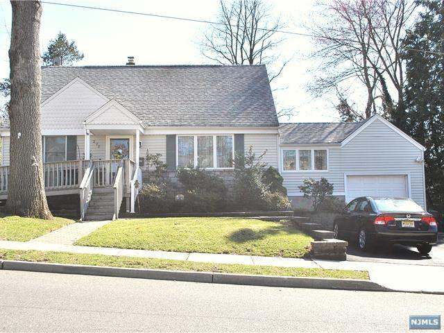 277 Lincoln Boulevard, Emerson, NJ 07630 (#1914102) :: Berkshire Hathaway HomeServices Abbott Realtors