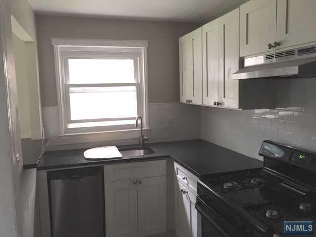 529A Grand Avenue, Leonia, NJ 07605 (#1922241) :: Group BK