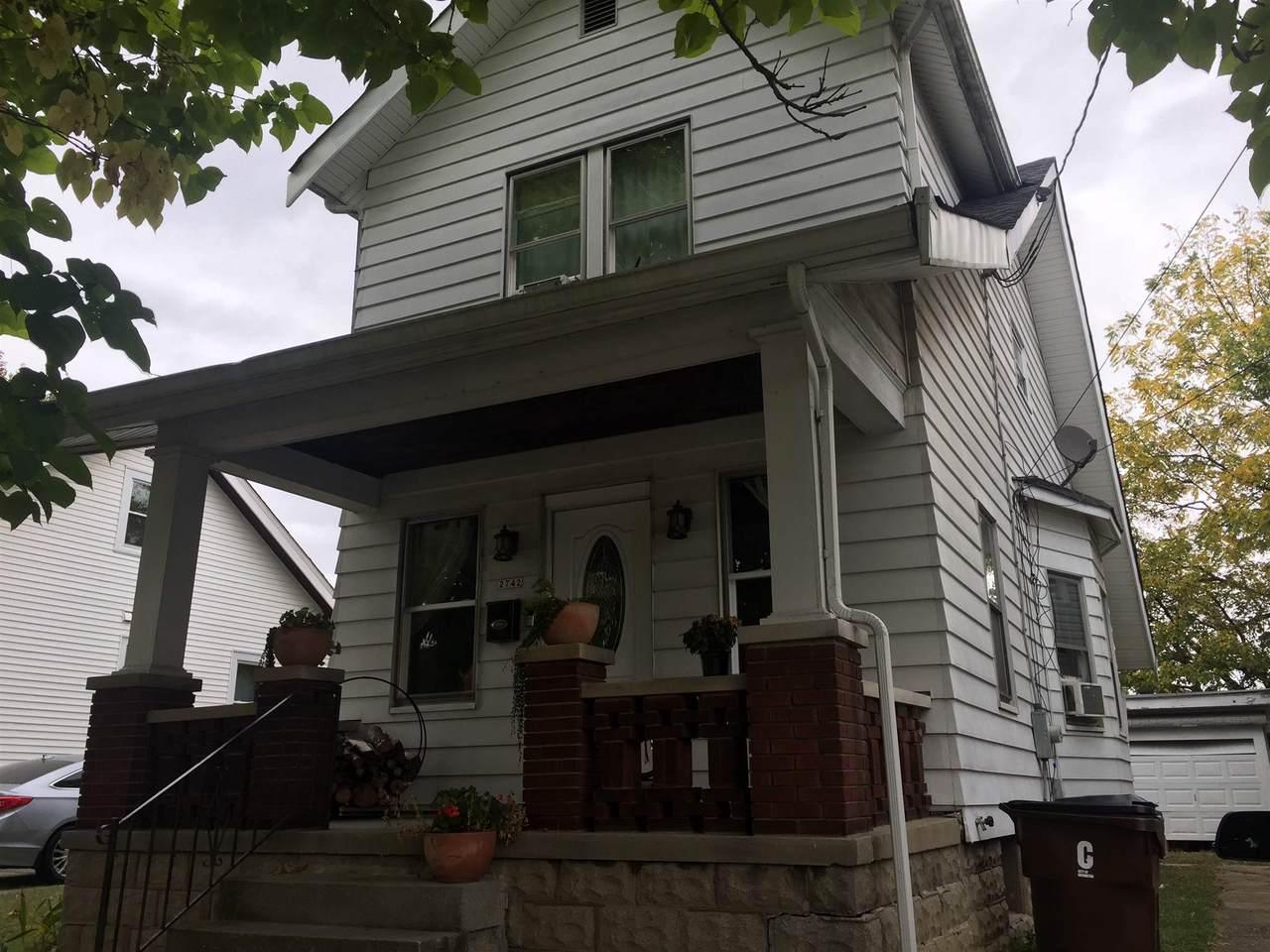 2742 Latonia Avenue - Photo 1
