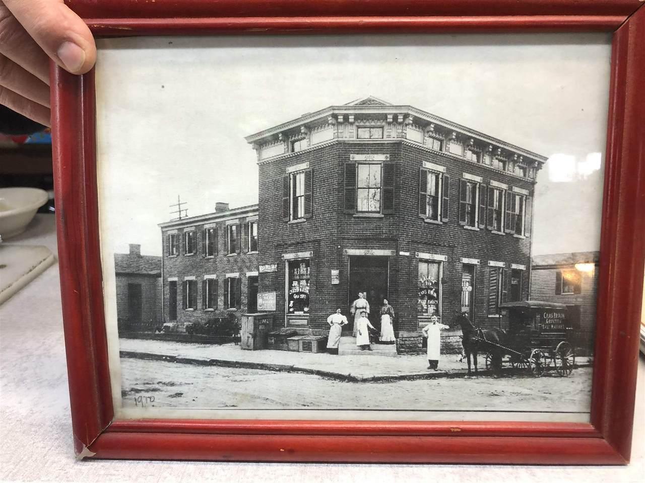 402 Thornton Street - Photo 1