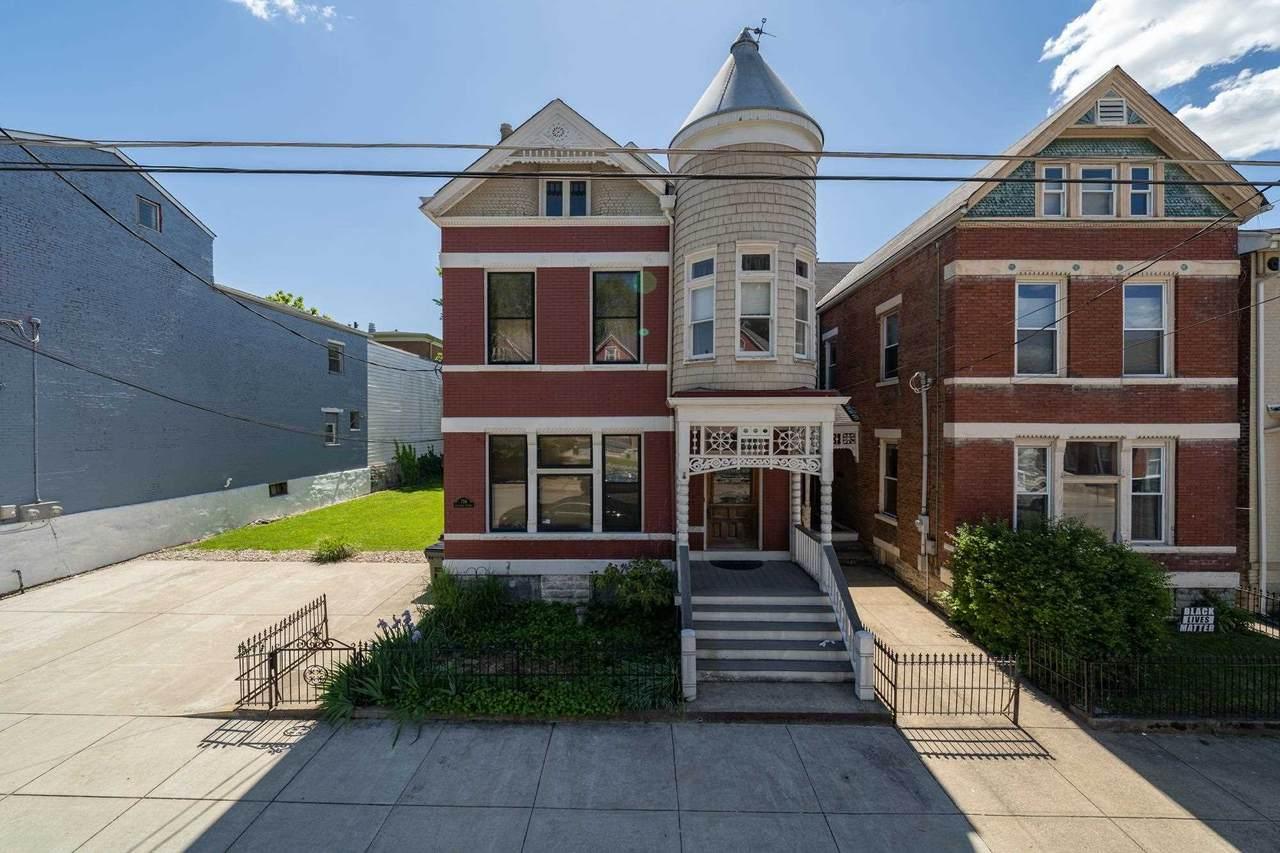 736 Columbia Street - Photo 1