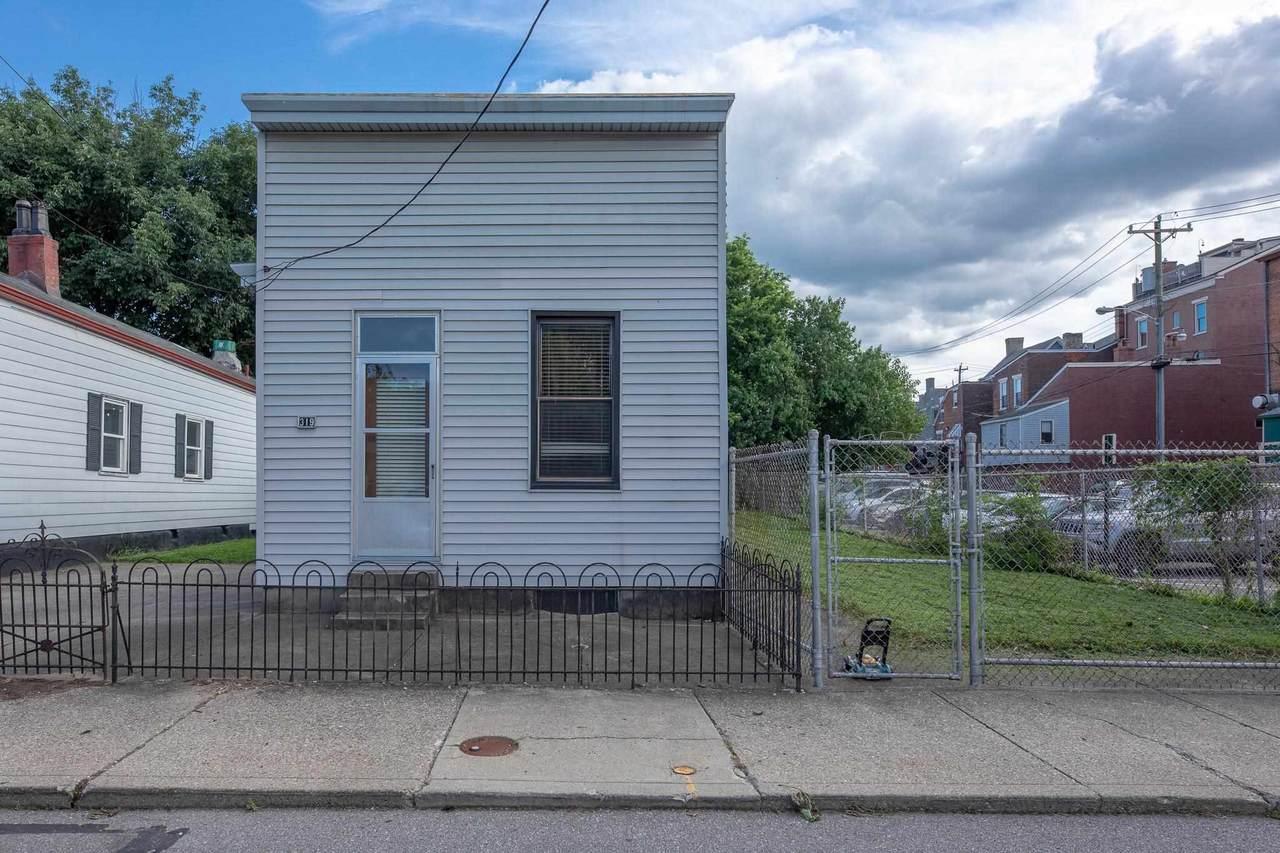 317-321 Pershing Avenue - Photo 1