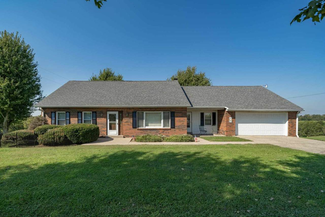 1640 Knoxville Road - Photo 1