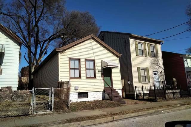 340 Pleasant Street, Covington, KY 41011 (MLS #545871) :: Caldwell Group