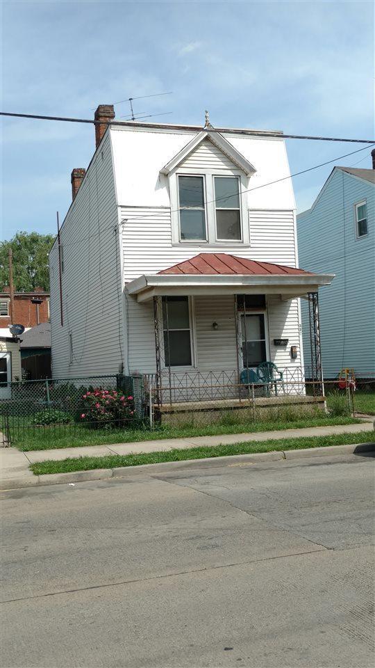 355 12TH Street - Photo 1
