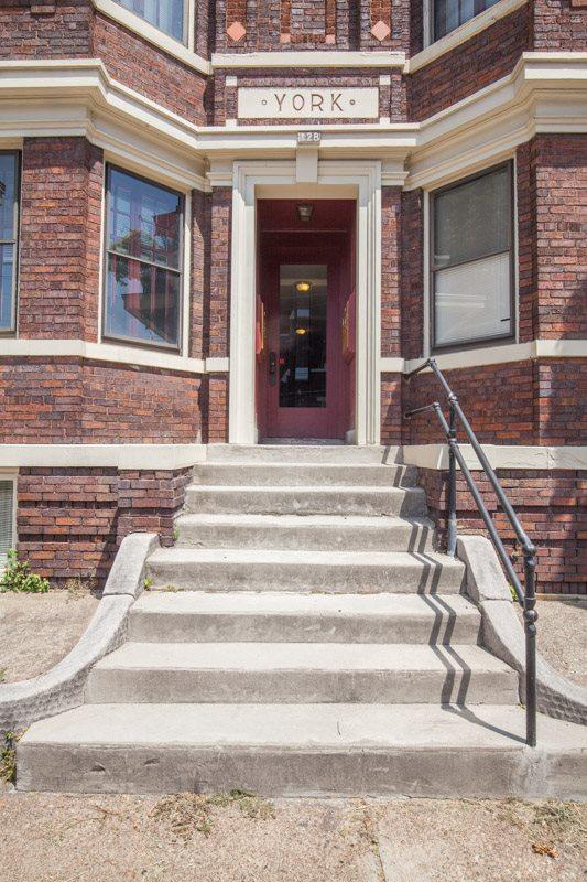 124-128 E 5th #1, Covington, KY 41011 (MLS #522351) :: Mike Parker Real Estate LLC