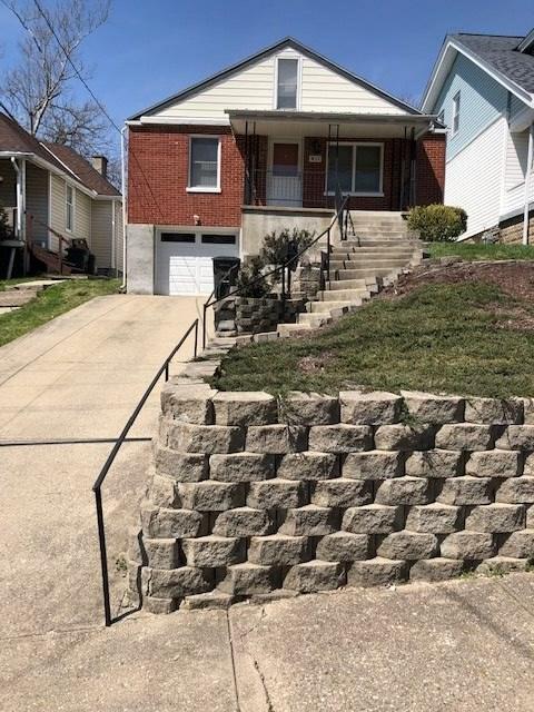 411 10th, Dayton, KY 41074 (MLS #525635) :: Mike Parker Real Estate LLC