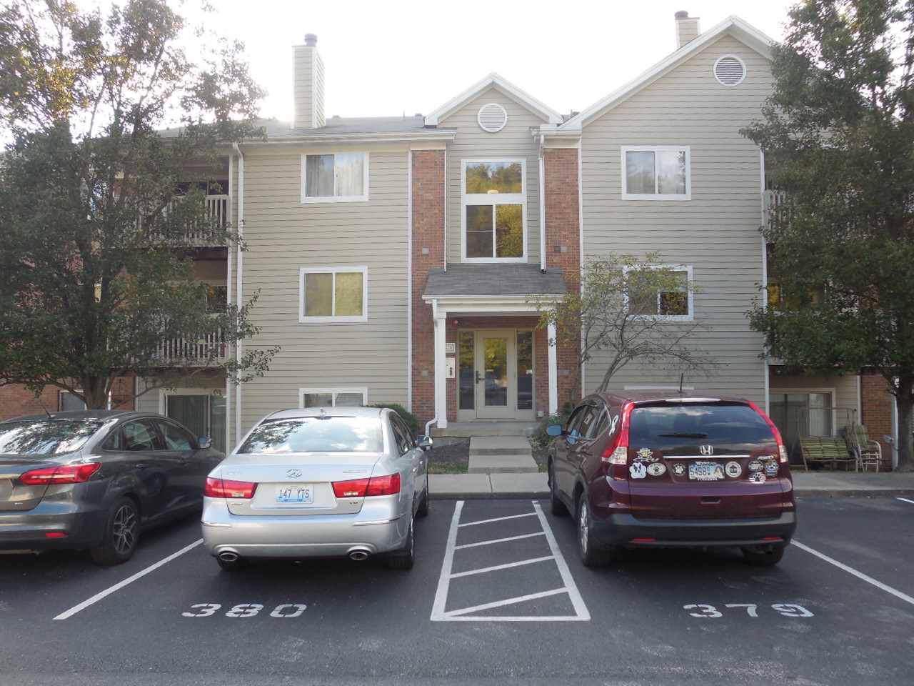 480 Lakeview Drive - Photo 1