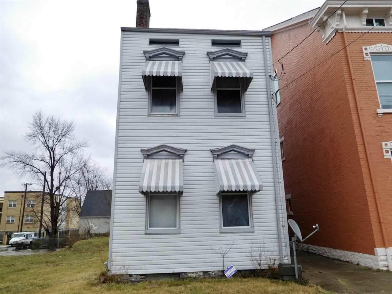 906 Greenup Street - Photo 1