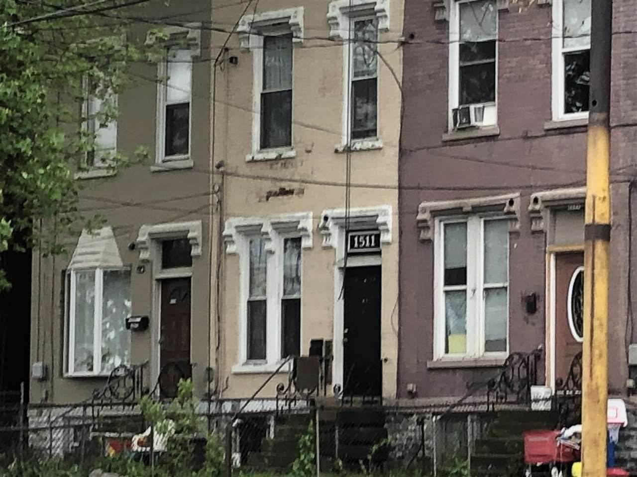 1511 Madison Avenue - Photo 1