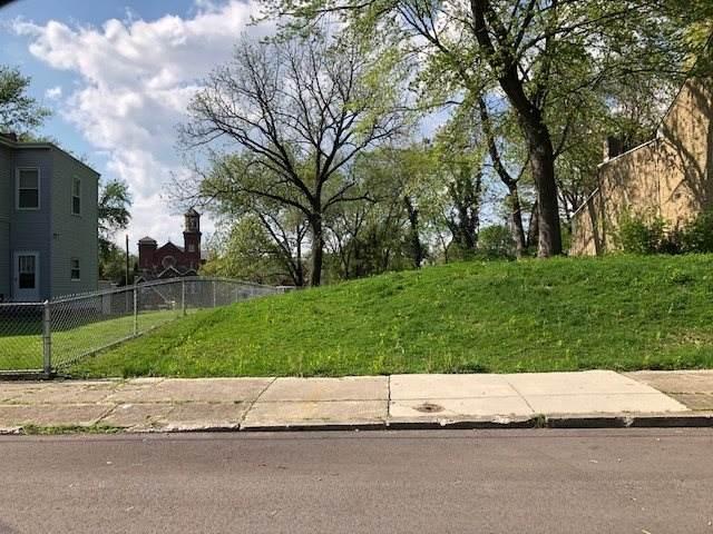 322 W 21st Street, Covington, KY 41014 (MLS #539310) :: Mike Parker Real Estate LLC