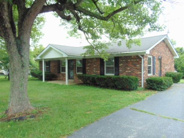 575 E Adair, Owenton, KY 40359 (#540225) :: The Chabris Group